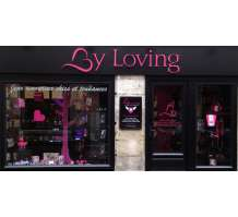 Vitrine du Love Store By Loving Tours
